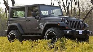 Mahindra Thar Modified to Look Like a Jeep Wrangler ...