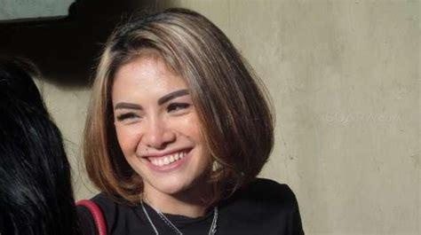 Nikita Mirzani Lucinta Luna Saling Serang Warganet Muak
