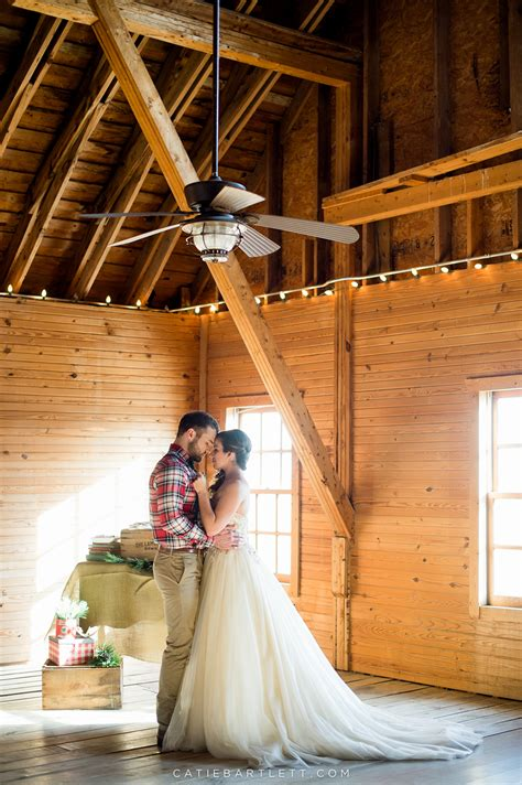 beautiful rustic winter wedding inspiration shoot