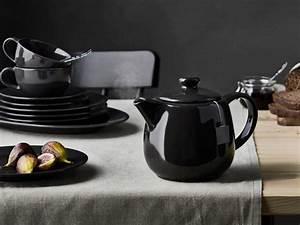 Assiette Noire Ikea : passez l 39 assiette noire sur la table joli place ~ Teatrodelosmanantiales.com Idées de Décoration