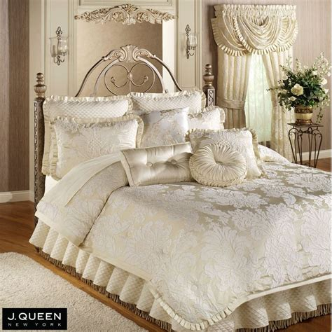 17 best images about bedding on pinterest damask bedding bed linens and bedding collections
