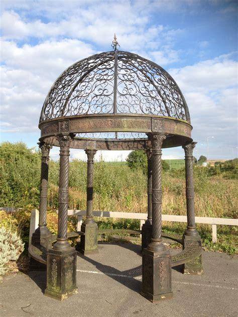 outdoor  european antique metal dome marble columns