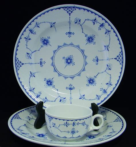 blue and white china l furnivals quot denmark quot blue white english china 2 dinner