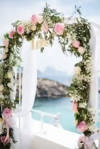 arche mariage arche mariage 30 belles idées pour un mariage rêvé roses et amour
