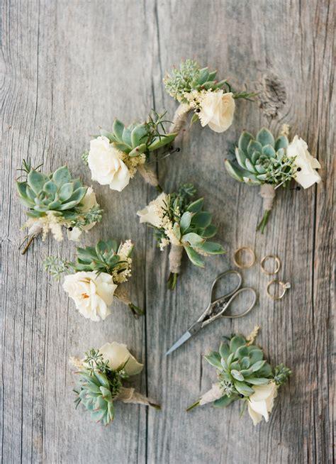 stunning ways  infuse  wedding  greenery