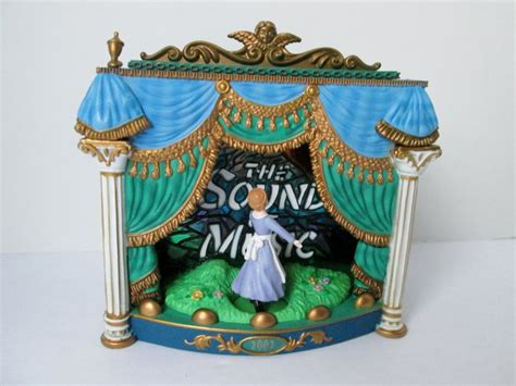 2002 sound of music carlton cards ornament music light