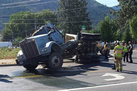 Semi-truck Accident Blocks Traffic In Grants Pass