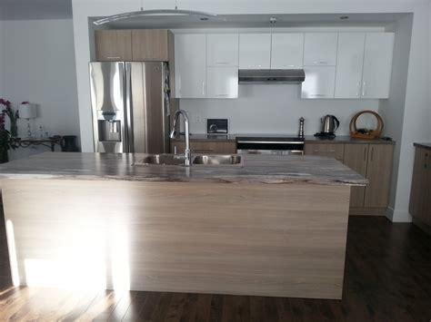 comptoir de cuisine blanc magnifique aménagement d une cuisine sur mesure à québec