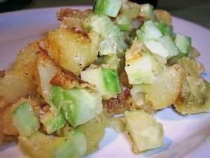 Salat Mit Geräuchertem Lachs : kartoffel gurken salat mit lachs rezept mit bild ~ Orissabook.com Haus und Dekorationen