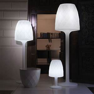 Lampe Sur Pied Led : lampe de jardin sur pied led rgb vases vondom zendart design ~ Teatrodelosmanantiales.com Idées de Décoration