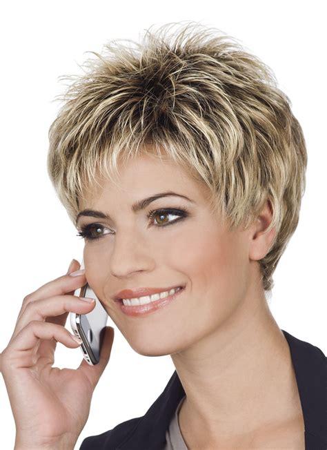 bildergebnis fuer kurze graue haare frisuren fransige
