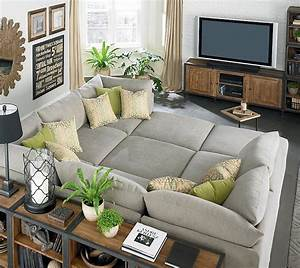 Pit sectional transitional living room bassett furniture for Movie pit sectional sofa