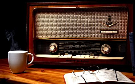 Vintage radio and book wallpapers and images - wallpapers ...