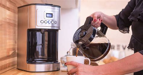 Using our cutting edge coffee technology, the 14 cup programmable coffeemaker can give you hotter coffee without sacrificing taste. Cuisinart DCC-3200 Perfect Temp 14-Cup Programmable Coffeemaker Review