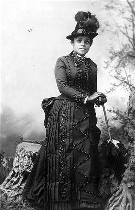 victorian women  color    beauty   age