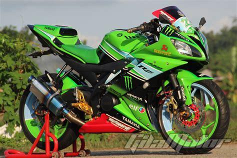 Modivikasi R15 by Modifikasi Yamaha R15 Livery Khas Pabrikan Sebelah