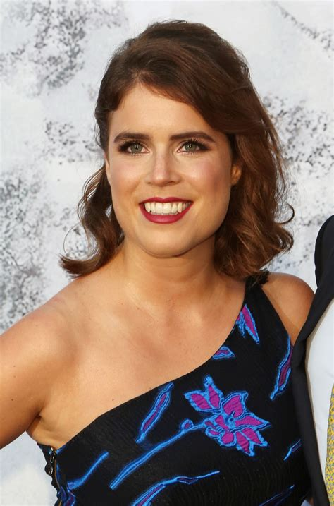 Princess Eugenie makes bold statement with wedding dress revealing scars - CNN Style