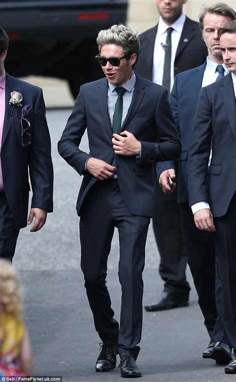 direction attend louis tomlinsons mothers wedding