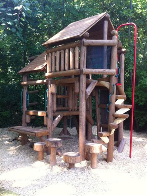 Diy Backyard Forts - best 25 tree forts ideas on diy tree house