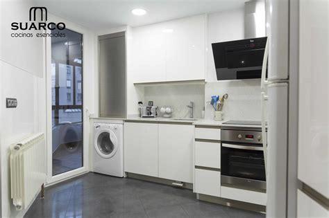 cocina blanca de lineas modernas cocinas suarco fabrica