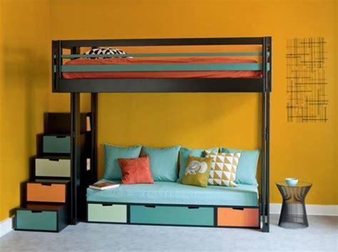lit en hauteur avec canap lit mezzanine avec banquette pleine de rangements cachés