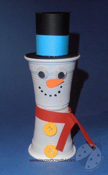 pupazzo di neve con bicchieri plastica lavoretti inverno pupazzo di neve con bicchieri di plastica