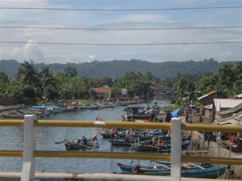 fisherman settlement   coastal  cilacap december