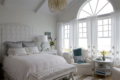 Shingle Style Gambrel Beach House-home Bunch Interior