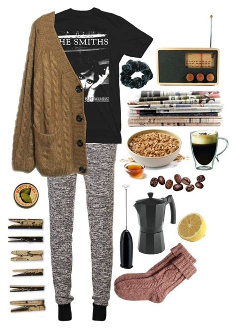 1000+ ideas about Jogger Pants Outfit on Pinterest   Jogger Pants Pants Outfit and Joggers