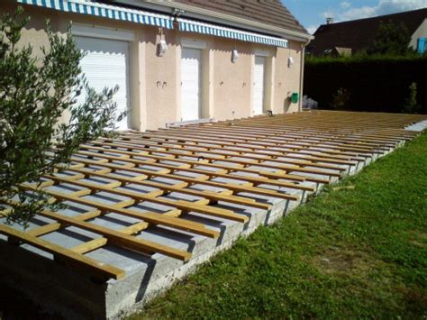 nivrem terrasse bois sur dale beton diverses id 233 es de conception de patio en bois pour