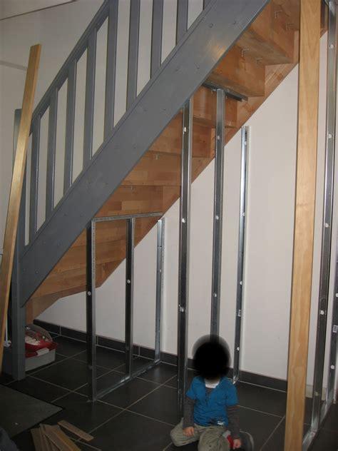 meuble sous bureau j ai découvert un amenagement placard sous escalier