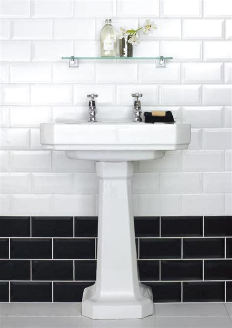 black  white subway bathroom tile ideas  pictures