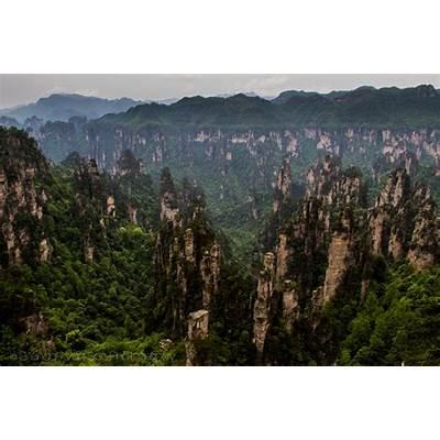 "Visiting the ""Avatar"" Mountains of Zhangjiajie National"
