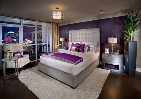 chambre adulte violet la chambre grise 40 idées pour la déco archzine fr