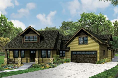 craftsman bungalow  big  charm  features guest apartment  designs