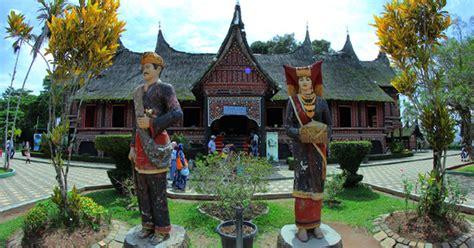 top tourist spots  bukittinggi ideal  family