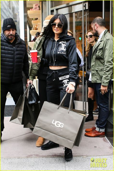 Kylie Jenner Shop Kylie Jenner Shops In Nyc With Kendall Before Flying Back