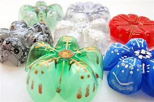 Country Love Crafts - Plastic Bottle Snowflakes