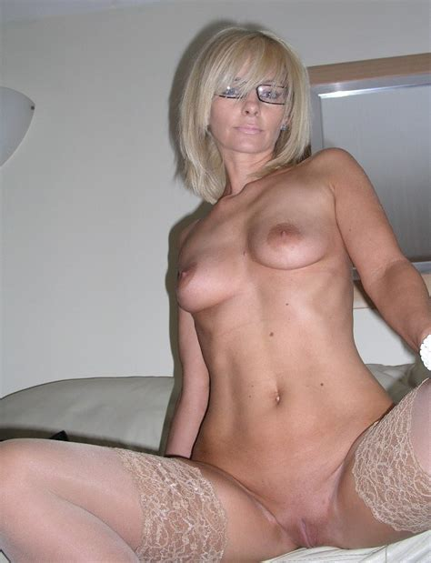 blonde milf glasses/719009701.jpg in gallery Sexy Blonde MILF Glasses (Picture 2) uploaded by ...