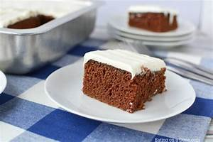 Easy Chocolate Cake Recipe - How to make a chocolate cake ...