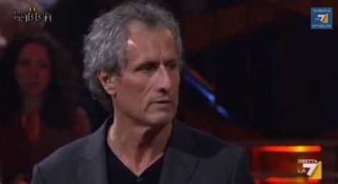 Paolo Barnard La Gabbia Paolo Barnard Torna A La Gabbia Dopo La Lite Con Gianluigi