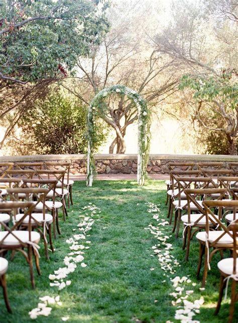 Summer Backyard Wedding by Best 25 Outdoor Decorating Summer Ideas On