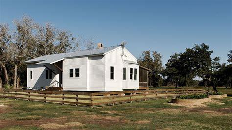 Tour an Energy-Efficient Modern Cabin Masquerading as