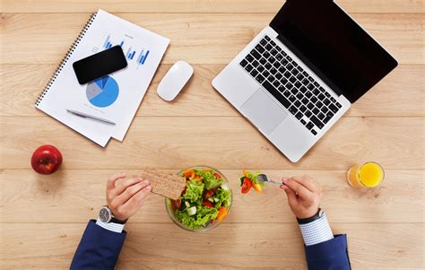 manger au bureau manger au bureau bien manger au bureau trucs et astuces