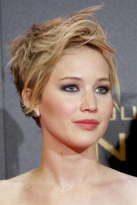 25 best haircuts for thin and fine hair the xerxes
