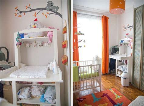 separation chambre parents bebe chambre de bébé blanche orange et verte coin change