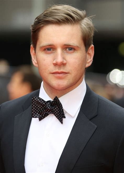 Allen Leech Hairstyle, Makeup, Suits, Shoes, And Perfume