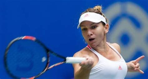 Simona Halep teaches Romanian - YouTube
