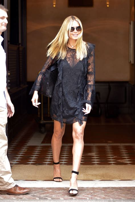 Heidi Klum Leaving Her Hotel New York