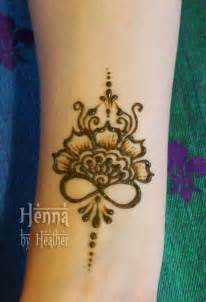 Simple Infinity Henna Tattoo Designs